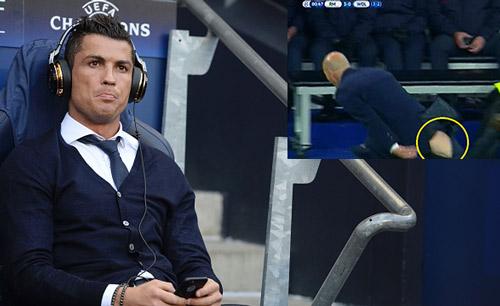 """Góc châm biếm: Ronaldo ngồi buồn nghe bản nhạc """"Si"""" - 5"""