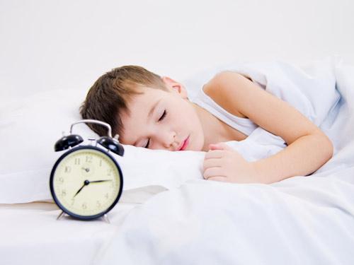 Dinh dưỡng và giấc ngủ quan trọng thế nào với chiều cao của trẻ? - 1