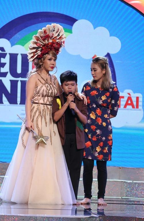 Việt Hương, Thanh Thảo khóc sưng mắt vì thí sinh nhí - 4