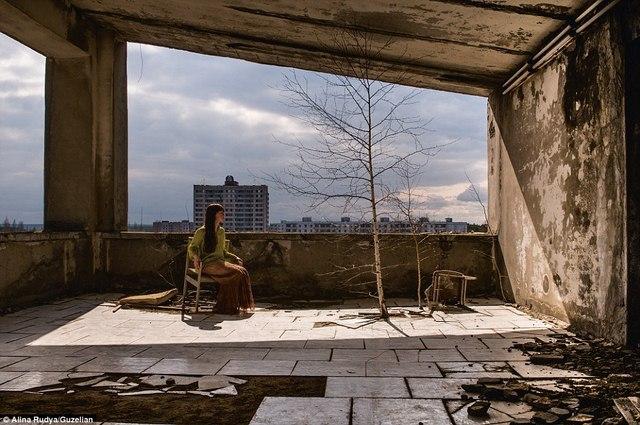 Ảnh: Dân chúng trở lại khu thảm họa Chernobyl sau 30 năm - 1
