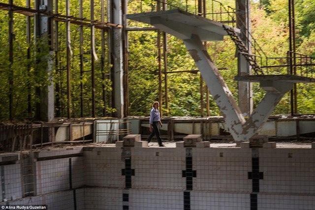 Ảnh: Dân chúng trở lại khu thảm họa Chernobyl sau 30 năm - 3
