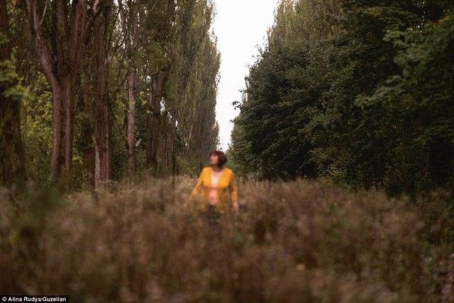 Ảnh: Dân chúng trở lại khu thảm họa Chernobyl sau 30 năm - 7