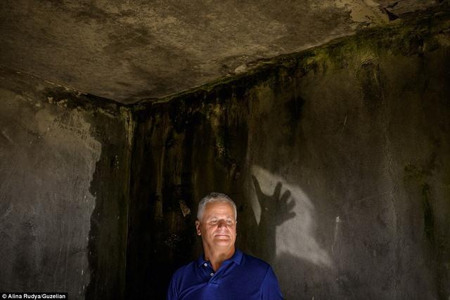Ảnh: Dân chúng trở lại khu thảm họa Chernobyl sau 30 năm - 14