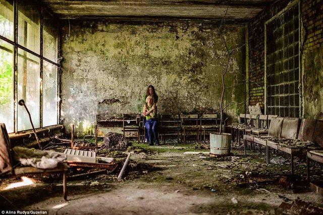 Ảnh: Dân chúng trở lại khu thảm họa Chernobyl sau 30 năm - 9