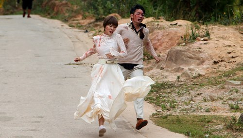 Nguyễn Phi Hùng bầm dập trong phim của Hoài Linh - 1