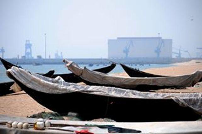 """Biển """"chết"""", dân gác thuyền, cá không ai mua - 1"""