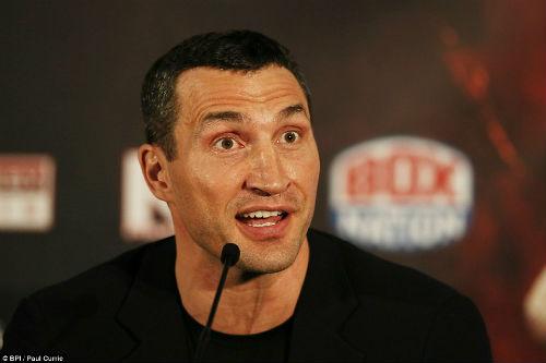 """Boxing: Fury cởi áo """"sỉ nhục' Klitschko trước trận tái đấu - 5"""