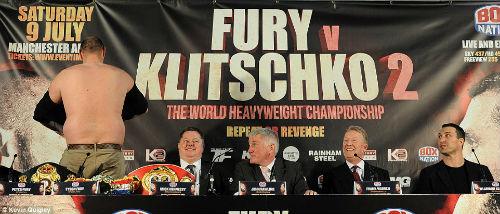 """Boxing: Fury cởi áo """"sỉ nhục' Klitschko trước trận tái đấu - 3"""