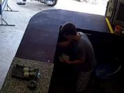"""An ninh Xã hội - Tắt camera để """"tác nghiệp"""", kẻ trộm 17 tuổi vẫn bị tóm"""