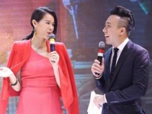 """Trấn Thành nói tiếng Hoa """"như gió"""" với mỹ nhân Hong Kong"""