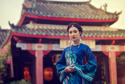 Hoa khôi Du lịch đẹp mơ màng với áo dài đậm chất Huế - 9
