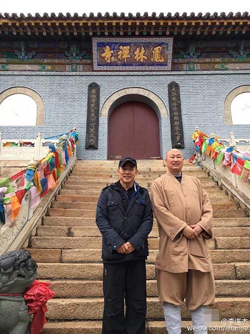 Lý Liên Kiệt tháo kính xuất hiện nơi cửa Phật - 2