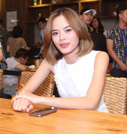 Thanh Hằng kín đáo, Đông Nhi sexy nổi bật tại sự kiện - 9