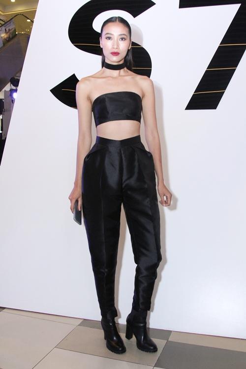 Thanh Hằng kín đáo, Đông Nhi sexy nổi bật tại sự kiện - 10