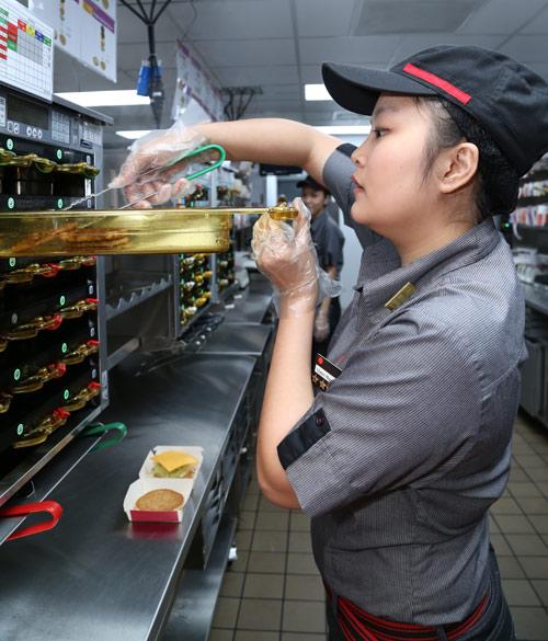 Làm sao để xử lý tình trạng thực phẩm bẩn đang tràn lan? - 4
