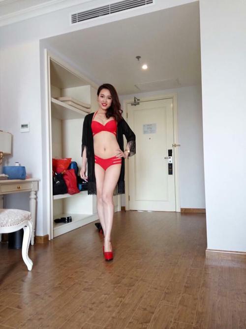 Dàn Người đẹp Hạ Long bị chê lộ mỡ bụng khi mặc bikini - 3