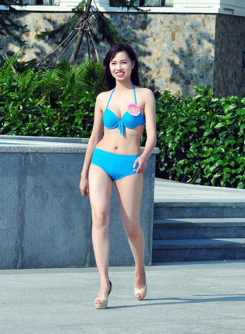 Dàn Người đẹp Hạ Long bị chê lộ mỡ bụng khi mặc bikini - 6