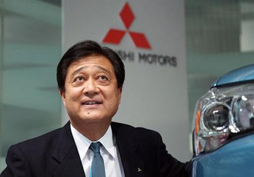 Chủ tịch Mitsubishi Motors từ chức vì gian lận - 1