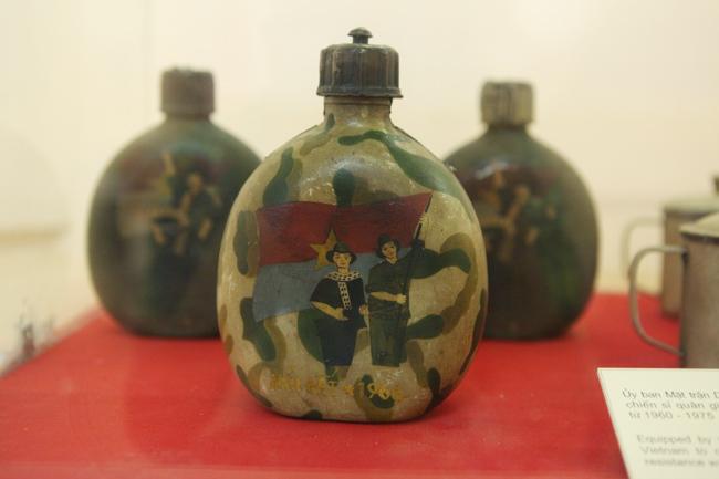 Cận cảnh 400 hiện vật lưu giữ ký ức chiến tranh ở HN - 4