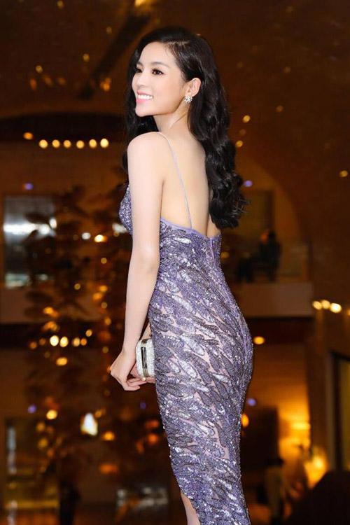 Facebook sao 28.4: Phương Mai được giải oan vụ áo nude - 10