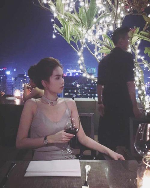 Facebook sao 28.4: Phương Mai được giải oan vụ áo nude - 13