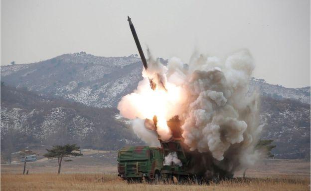Triều Tiên thử tên lửa tầm bắn 3.000km, rơi sau vài giây - 3