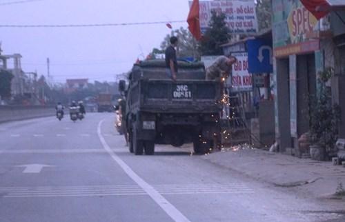 Quỹ bảo trì gần 10 nghìn tỷ, quốc lộ 1A vẫn đầy rác - 9