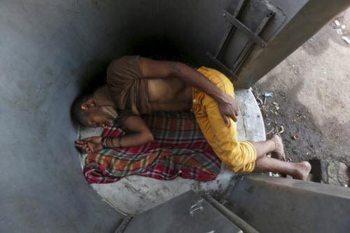 Ảnh: Người dân chống chọi với hạn hán kỷ lục ở Ấn Độ - 3