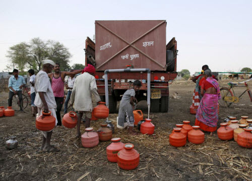 Ảnh: Người dân chống chọi với hạn hán kỷ lục ở Ấn Độ - 9