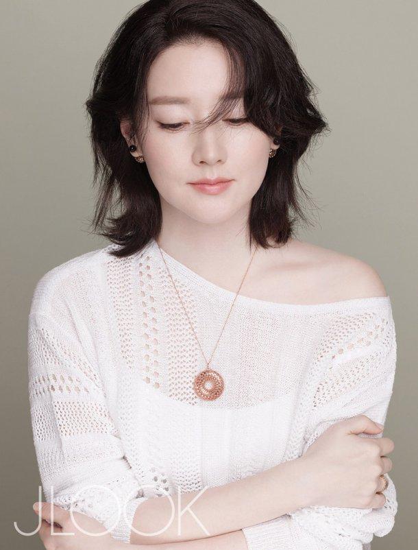 """Fan """"phát sốt"""" với loạt ảnh của 3 mẹ con Lee Young Ae - 7"""