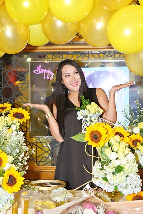Phi Thanh Vân bác bỏ tin mang thai sau sinh 3 tháng - 1