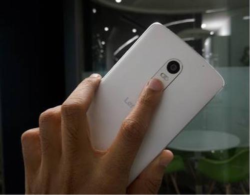 Top smartphone tầm trung có cảm biến vân tay nhạy - 3
