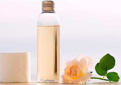 Biến nước hoa hồng thành dưỡng chất thần kì cho da - 3