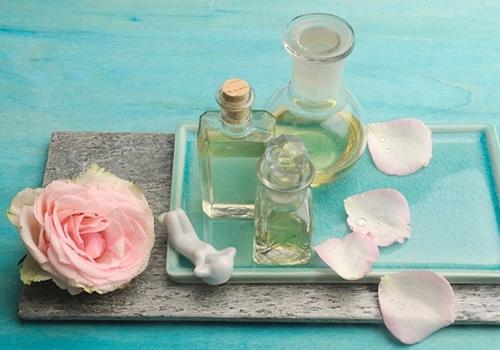 Biến nước hoa hồng thành dưỡng chất thần kì cho da - 1