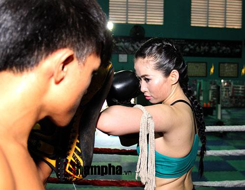 Nữ DJ xinh đẹp mê tập Muay Thái - 4