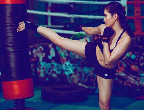 Nữ DJ xinh đẹp mê tập Muay Thái - 5