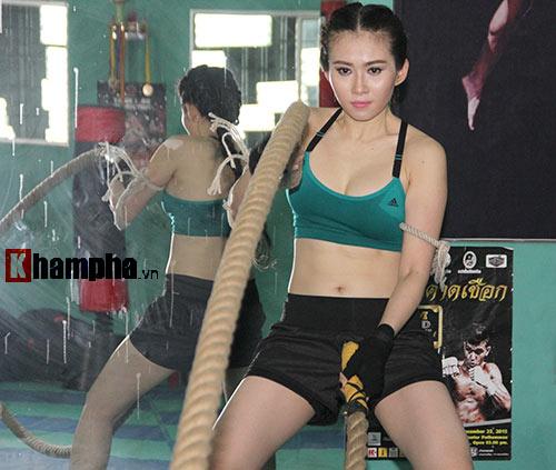 Nữ DJ xinh đẹp mê tập Muay Thái - 6