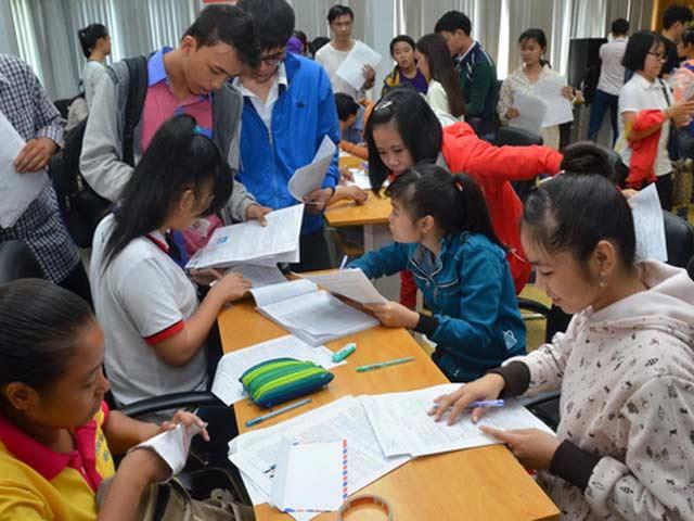 Đăng ký dự thi THPT: Phần lớn thí sinh chọn thi 4-5 môn - 1