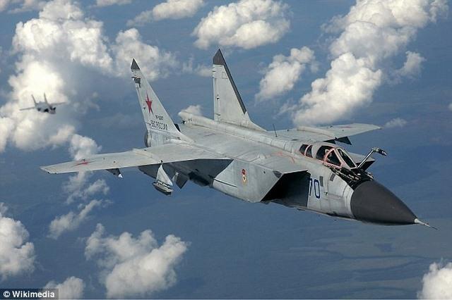 Tiêm kích Nga áp sát, lộn vòng qua máy bay do thám Mỹ - 1