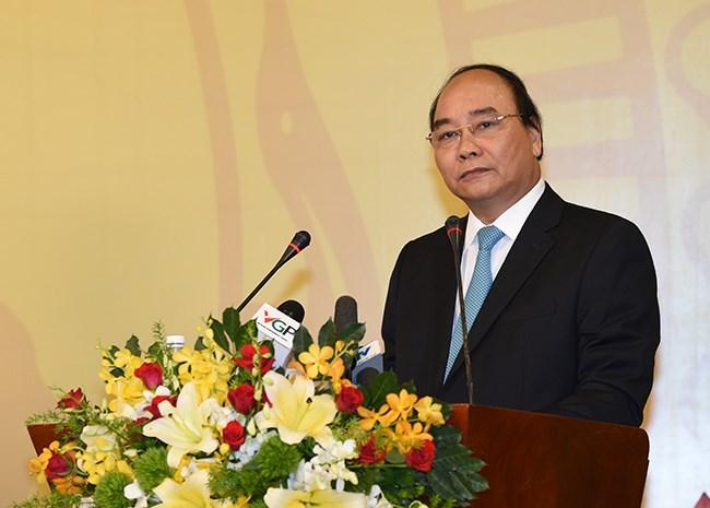 Thủ tướng đang đối thoại với DN: Luôn đồng hành - 1