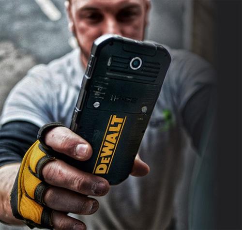 """Điện thoại siêu bền cho dân """"công trường"""" - 2"""