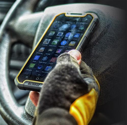 """Điện thoại siêu bền cho dân """"công trường"""" - 4"""