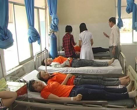 Vụ 56 công nhân nhập viện nghi ngộ độc: Do hội chứng sang chấn tâm lý - 1