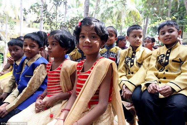 Ấn Độ: Trường học nhiều cặp sinh đôi nhất thế giới - 2