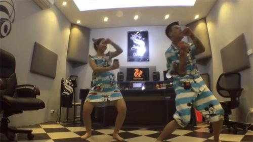 Cười nghiêng ngả với trào lưu cover vũ điệu Anh Hùng Lắc - 4