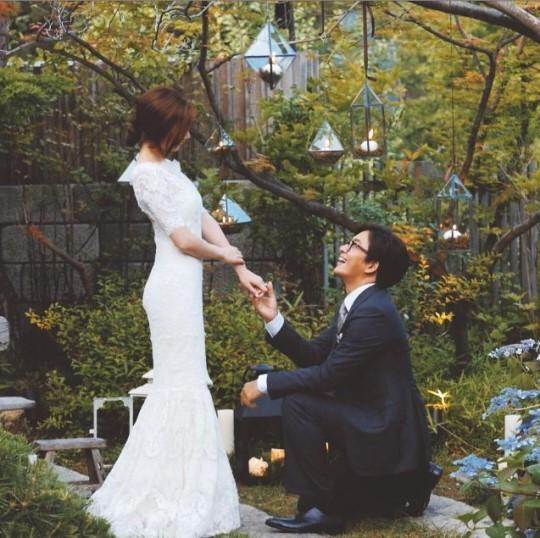 Bà xã Bae Yong Joon mang thai con đầu lòng - 2
