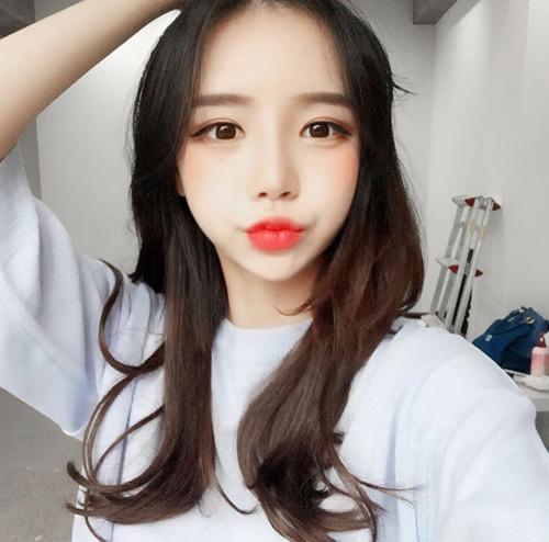 Sốc vì nhan sắc nguyên bản của hot girl đình đám xứ Hàn - 9