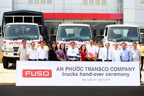 FUSO Việt Nam bàn giao lô xe tải đầu tiên cho Công ty An Phước - 3