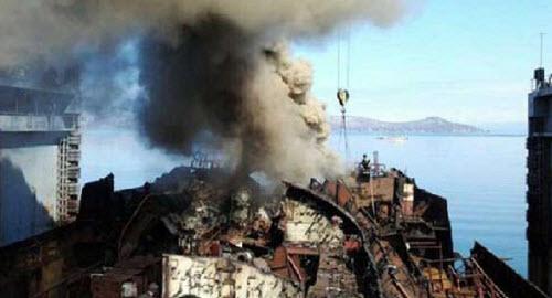 Tàu ngầm hạt nhân Nga bất ngờ bốc cháy - 1