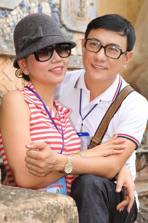 Vợ trẻ như hot girl của diễn viên Hoàng Phúc - 1